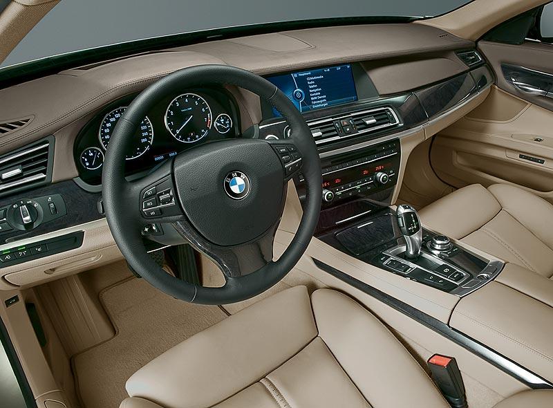 BMW 7er-Reihe (F01, ab 2008), Interieur