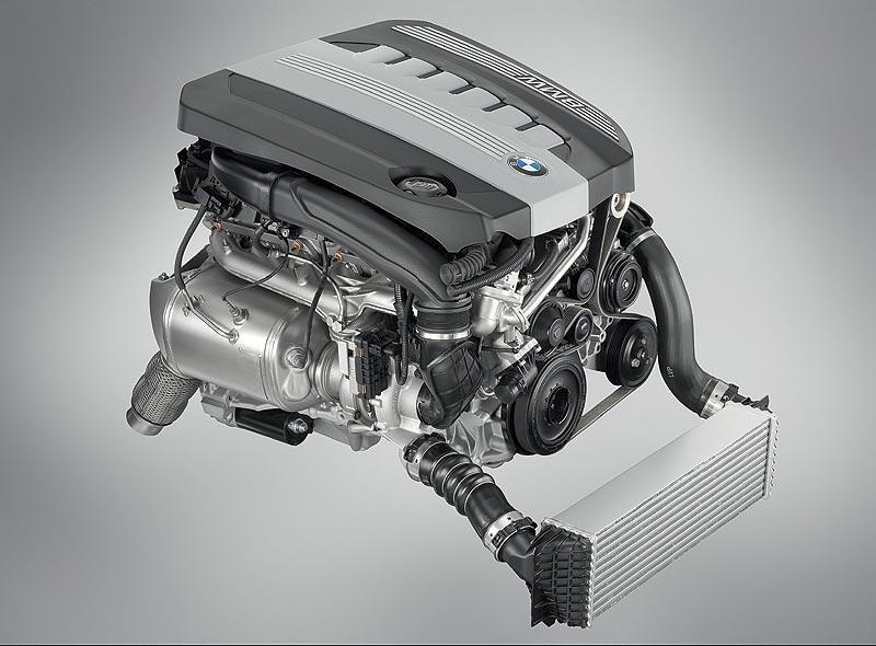 Foto Bmw 6 Zylinder Dieselmotor Mit Aluminium