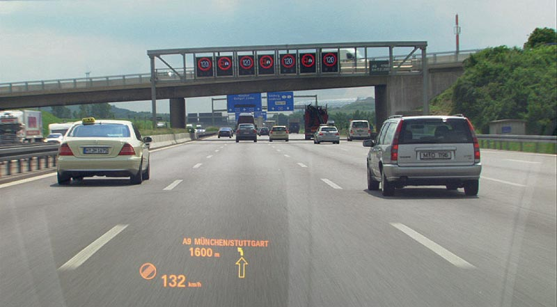 Spurwechselwarnung im Head-Up Display im BMW 7er