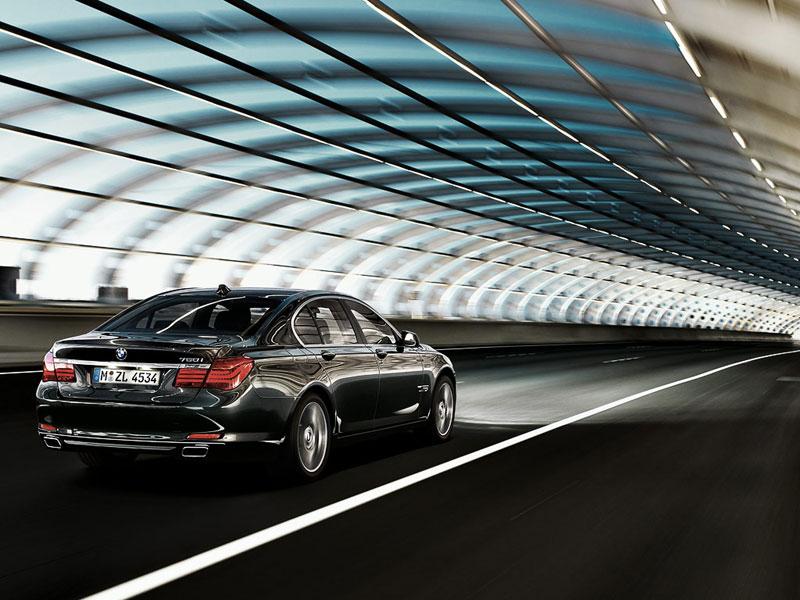 BMW 750i (F01)