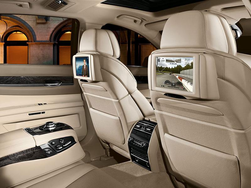 BMW 7er, Fond mit Fond-Entertainment
