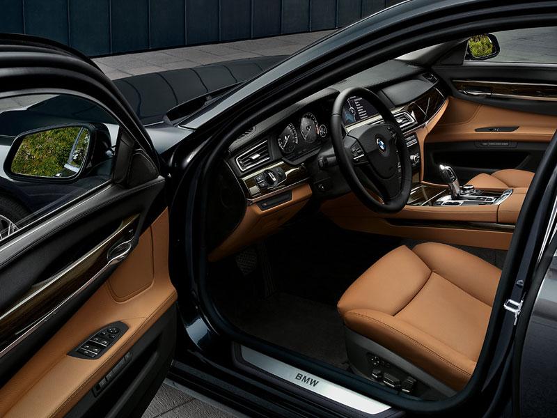 BMW 7er, Interieur vorne