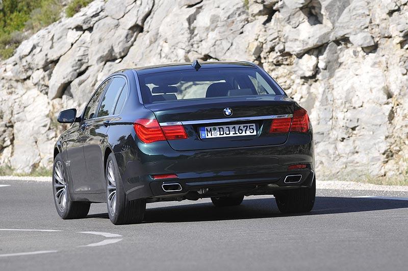 BMW 750Li xDrive (Modell F02, Modelljahr 2010)