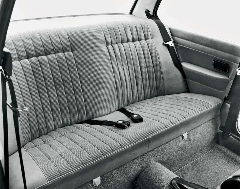 Rückbank im 3er-BMW aus dem Jahr 1975