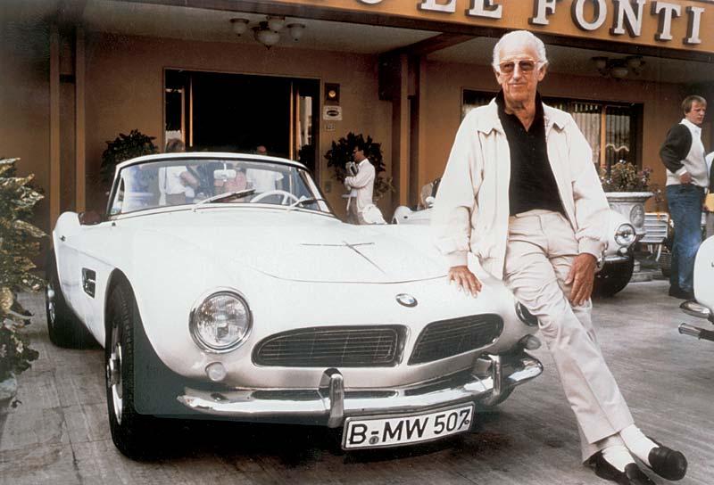 Albrecht Graf Goertz mit dem BMW 507