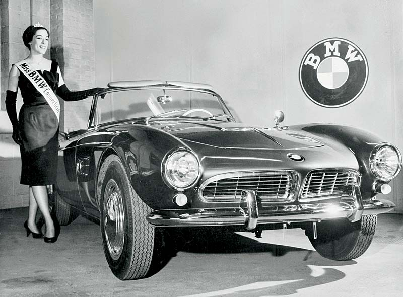 "BMW 507 mit Modell: ""Miss BMW Connection"""