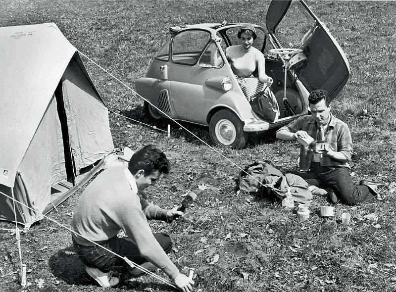 Mit der BMW Isetta auf dem Campingplatz