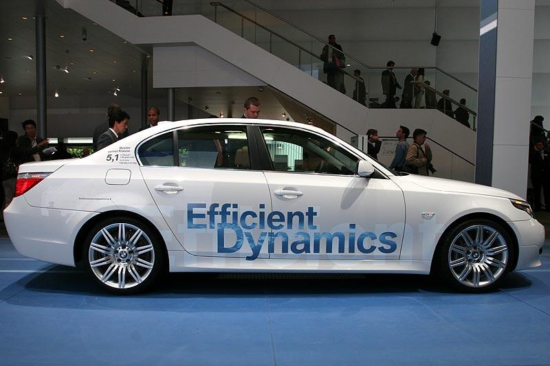 bereits zum Herbst 2007 sollen 40% des BMW Group Absatzes genau wie dieser 520d nicht mehr als 140g CO2/100 km ausstoßen