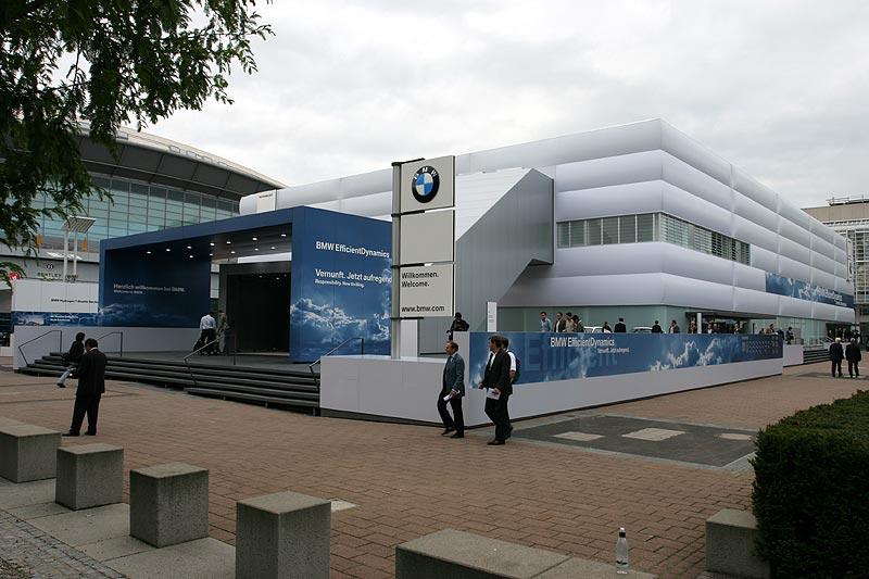 BMW Pavillon auf der IAA 2007 in Frankfurt