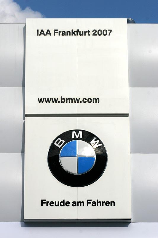BMW Pavillon auf der IAA in Frankfurt