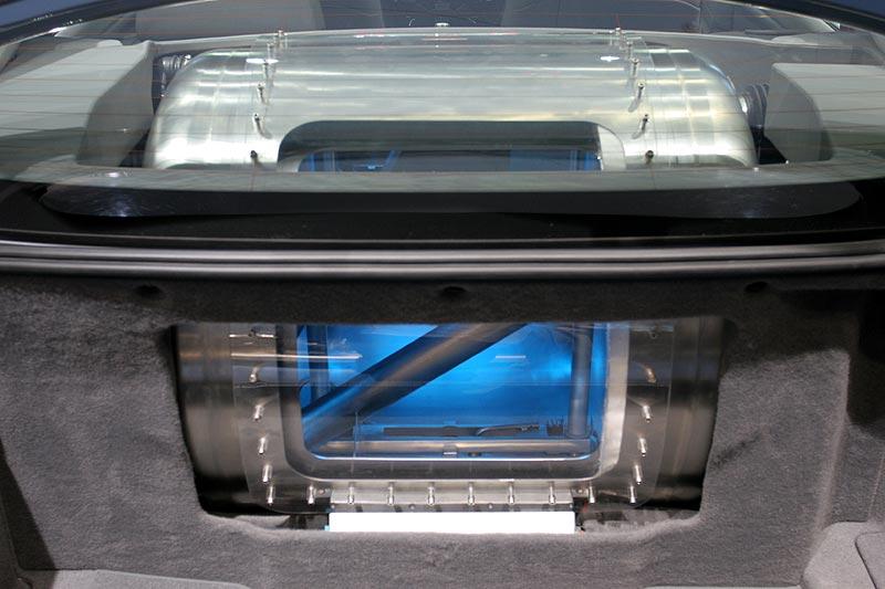 Wasserstoff-Tank: hier würde ein Schneemann jahrelang stabil bleiben, Wasserstoff aber nur wenige Tage flüssig