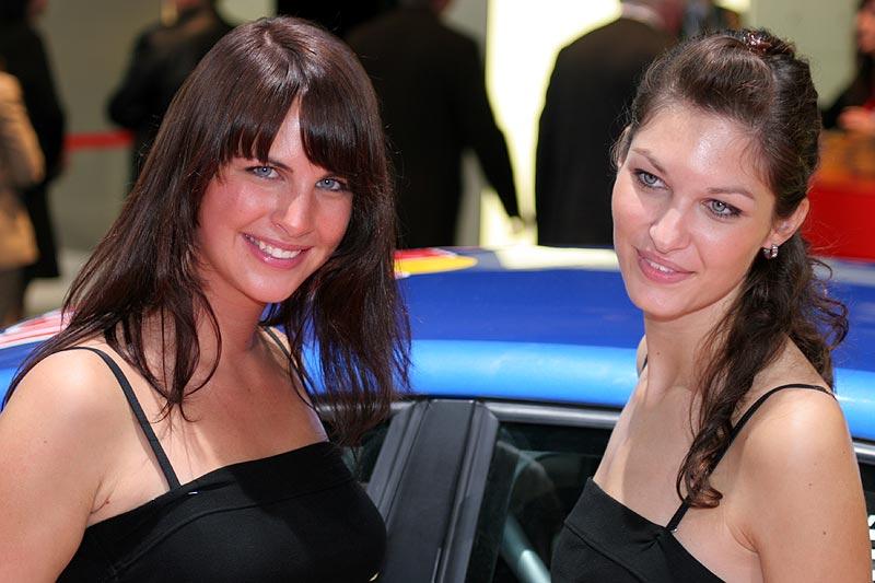 Cars und Girls auf der IAA 2007
