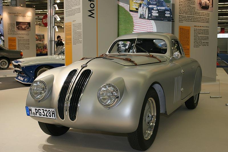 BMW 328 Touring Coupé, Baujahr 1939, R6-Motor, 1.971 cccm, 136 PS, vmax: 220 km/h, Siegerwagen Mille Miglia 1939