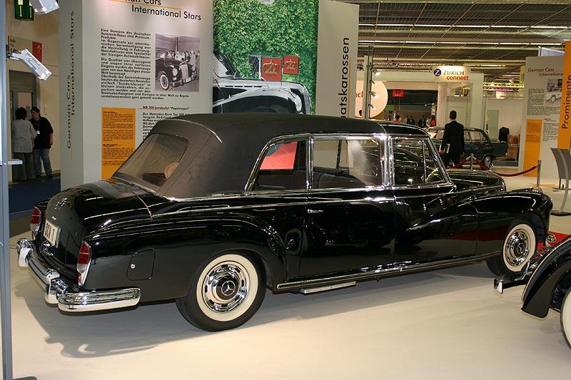Mercedes Benz 300d, Pullmann Landaulet für Papst Johannes den XXIII, Bj. 1969, 2.996 cccm, R6-Motor, 160 PS, vmax: 160 km/h