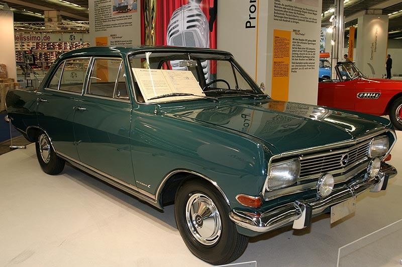 Opel Rekord B, Baujahr 1965, R4-Motor, 1.897 cccm, 90 PS, vmax: 160 km/h, Produktion: 294.185 Stk., Erstbesitzer: Sepp Herberger