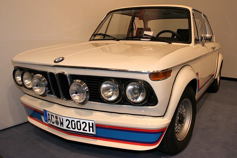 BMW 2002 Turbo, Bauzeit: 1973-1975, Stückzahl: 1.672, 170 PS bei 5.800 U/Min., 1.990 cccm