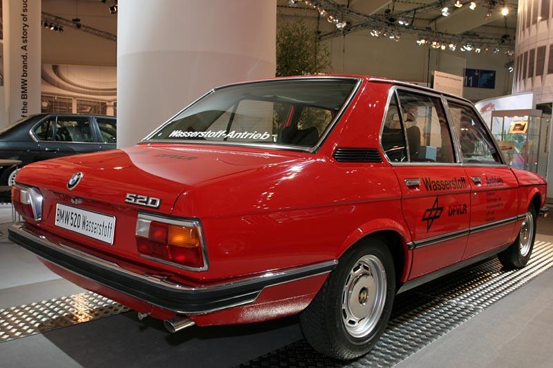BMW 520 Versuchsfahrzeug mit Wasserstoffantrieb, Prototyp der ersten Generation