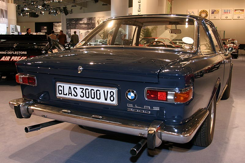 BMW 3000 V8, 1.350 kg, Farbe: pacific, über 200 km/h, Neupreis: 23.850,- DM