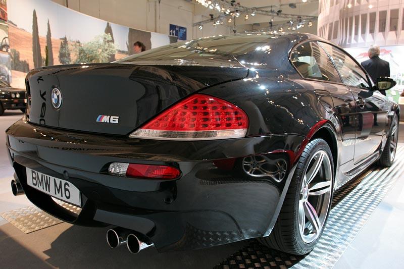 aktueller BMW M6, hochdrehender V10-Motor, 4.999 cccm, 507 PS bei 7.750 U/Min.