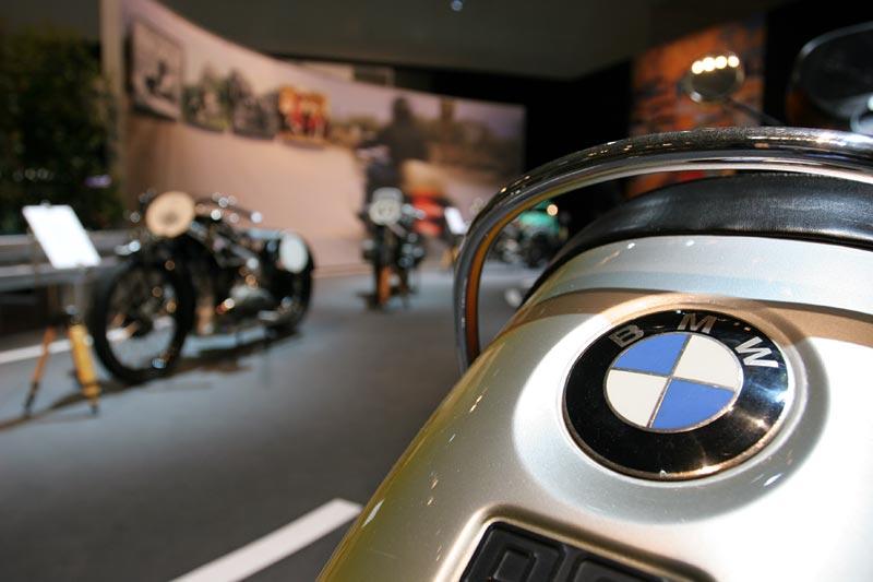 BMW R 90 S, mit 67 PS Motor, 215 kg, 200 km/h, Neupreis: 8.510 DM, 5 Gänge