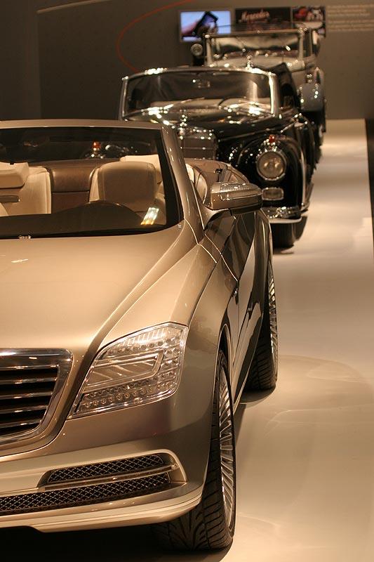 Mercedes Cabrios, vorne der Ocean Drive, Techno Classica 2007