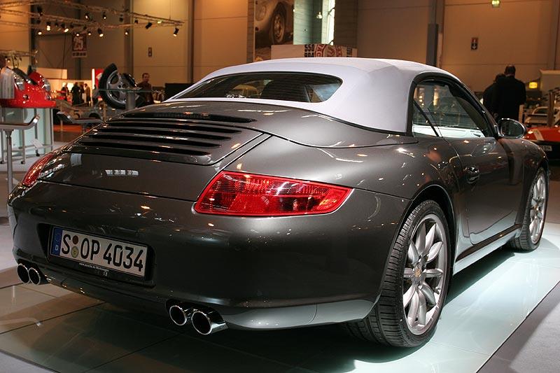 Porsche 911 Carrera S Cabriolet, Verbrauch: 13,2 Liter/100 km, 293 g CO2-Ausstoß je km