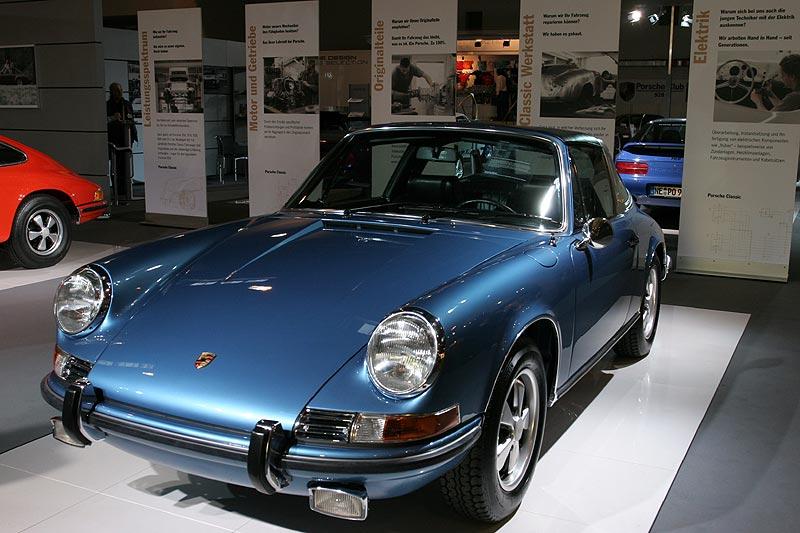 Porsche 911 Targa, 6-Zylinder-Boxermotor, 125 PS, 205 km/h, Gewicht: 1.020 kg