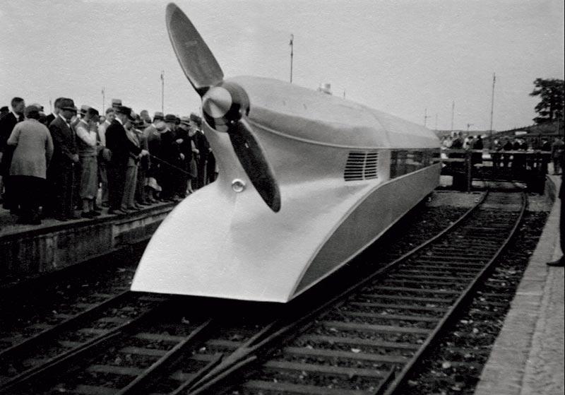 """""""Schienenzeppelin"""" mit Flugmotor BMW VI, der 1931 auf der Strecke Berlin-Hamburg die Geschwindigkeit von 230 km/h erreichte"""