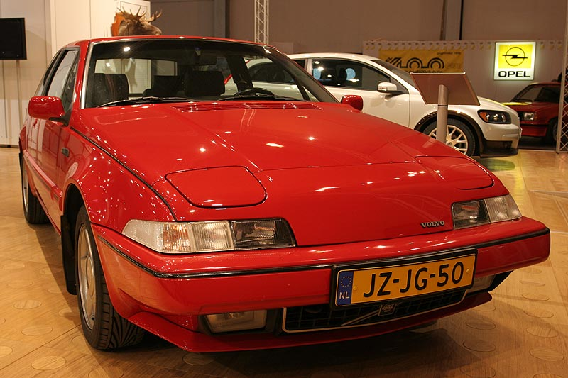 Volvo 480 1987, 4-Zylinder-Reihen-Motor mit Turbolader, 1.721 cccm, 120 PS, 5-Gang