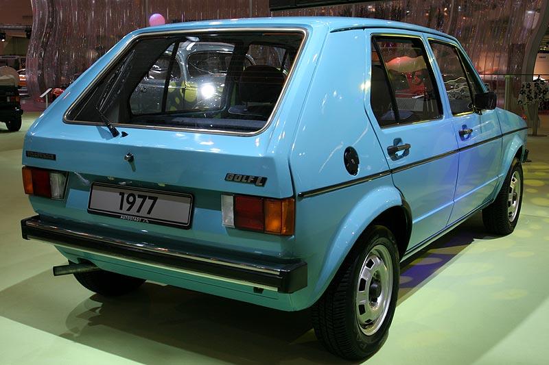 VW Golf, 4 Zyl.-Reihen-Motor, 1.093 cccm, 50 PS, 775 kg, 140 km/, 10.380 DM (1977)