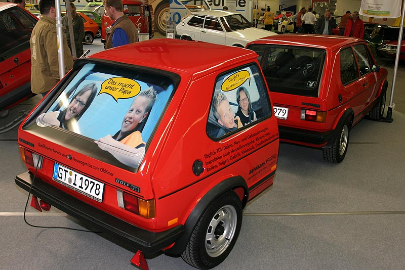 VW Golf I mit Anhänger