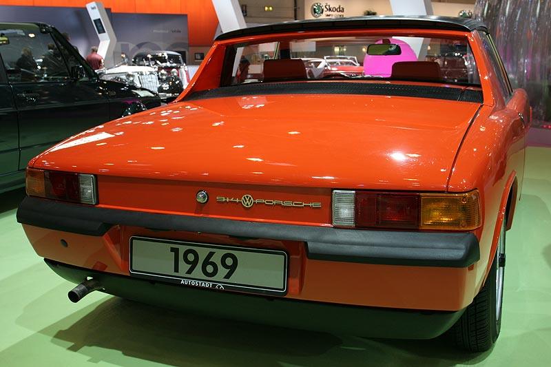VW Porsche 914, weltweit erstmalig in 6stelliger Zahl verkaufter Mittelmotorwagen