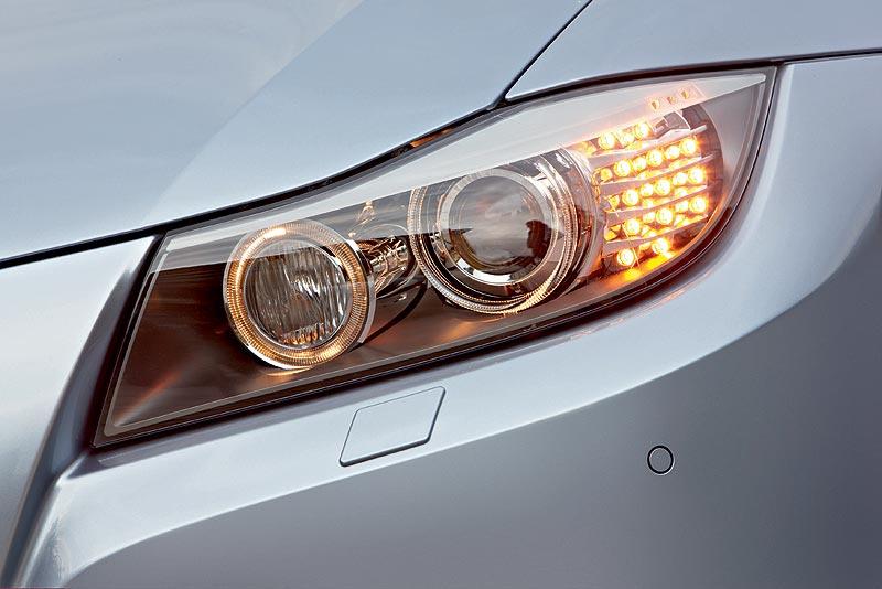 BMW 3er, Frontscheinwerfer nach dem Facelift