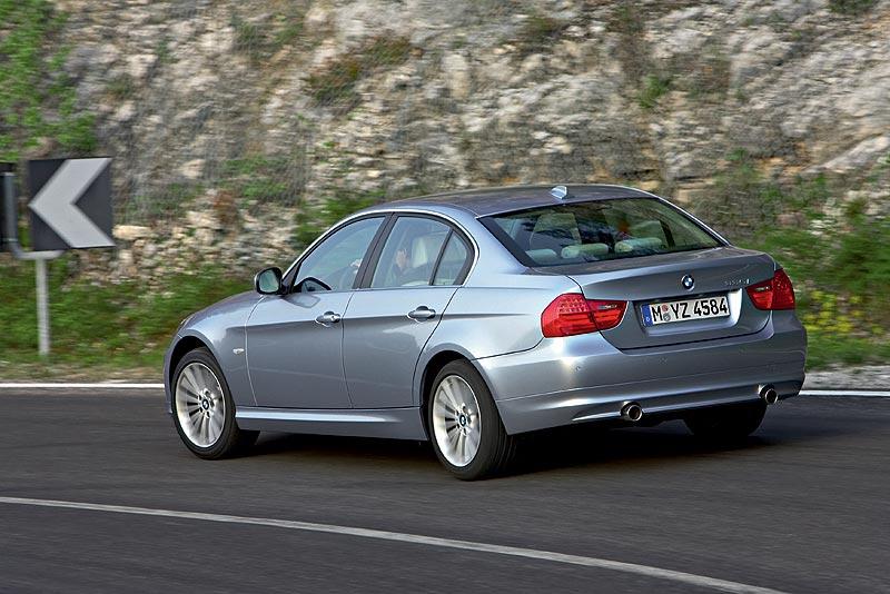 BMW 3er Limousine der fünften Generation, Modellreihe E90