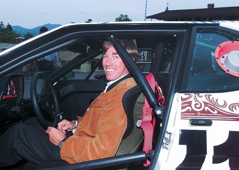 SKH Prinz Leopold von Bayern an seinem 60 Geburtstag am Steuer des BMW M1 Rennwagen