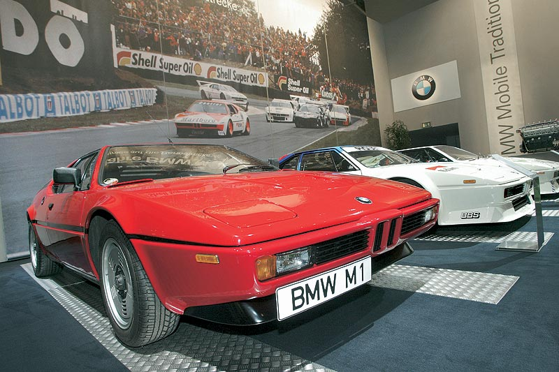 BMW Group Mobile Tradition auf der Techno Classica 2003: 25 Jahre M1