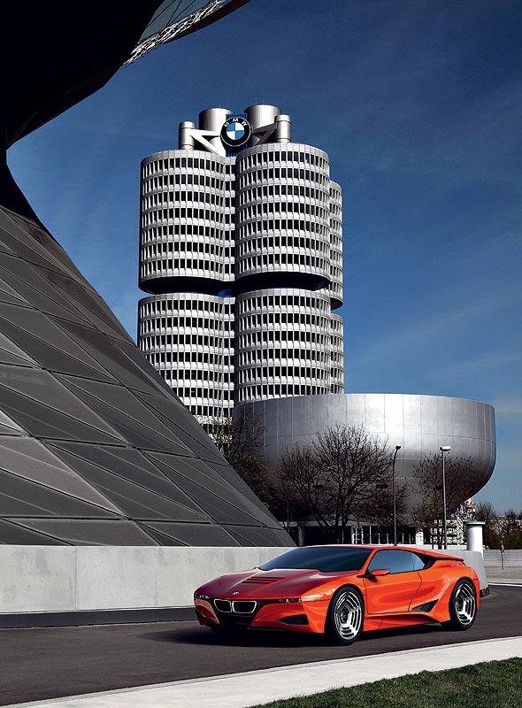 BMW M1 Hommage, hier vor der Konzernzentrale in München