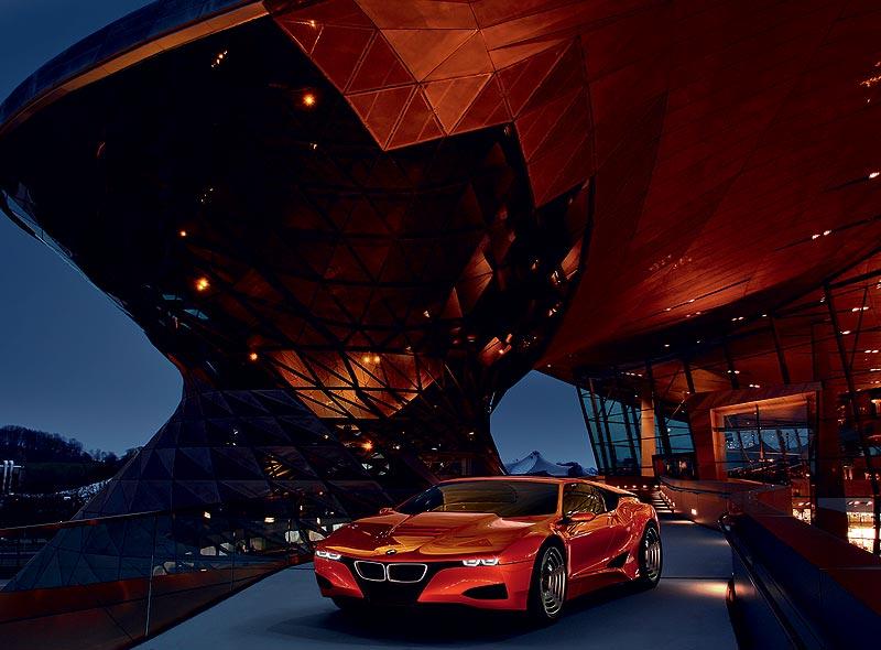 Hommage an den BMW M1, hier in der BMW Welt München
