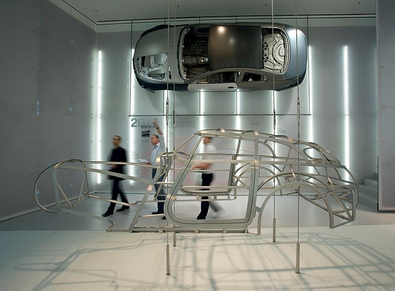 """Ausstellungsraum """"Leichtbau"""" im BMW Museum München"""