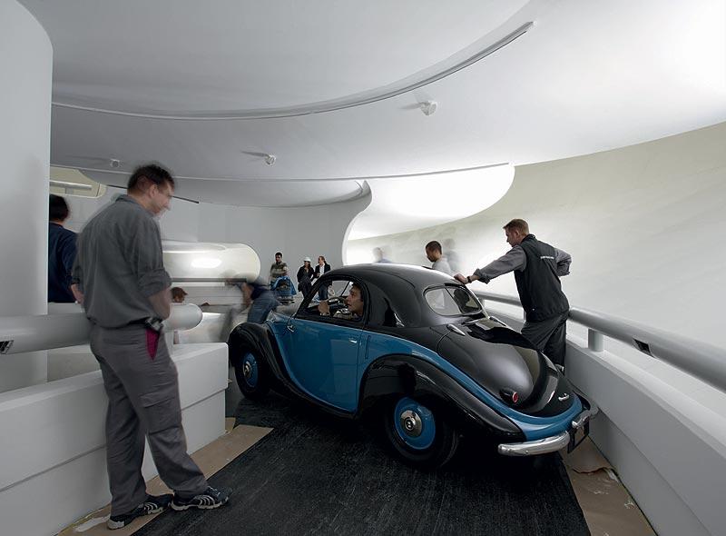 Einbringung des BMW 531 in das BMW Museum München
