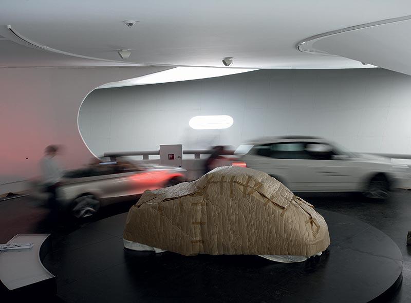 Einbringung des BMW CS1 in das BMW Museum München
