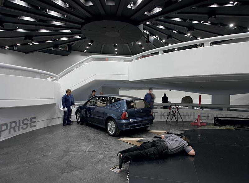Einbringung des BMW Z22 in das BMW Museum München
