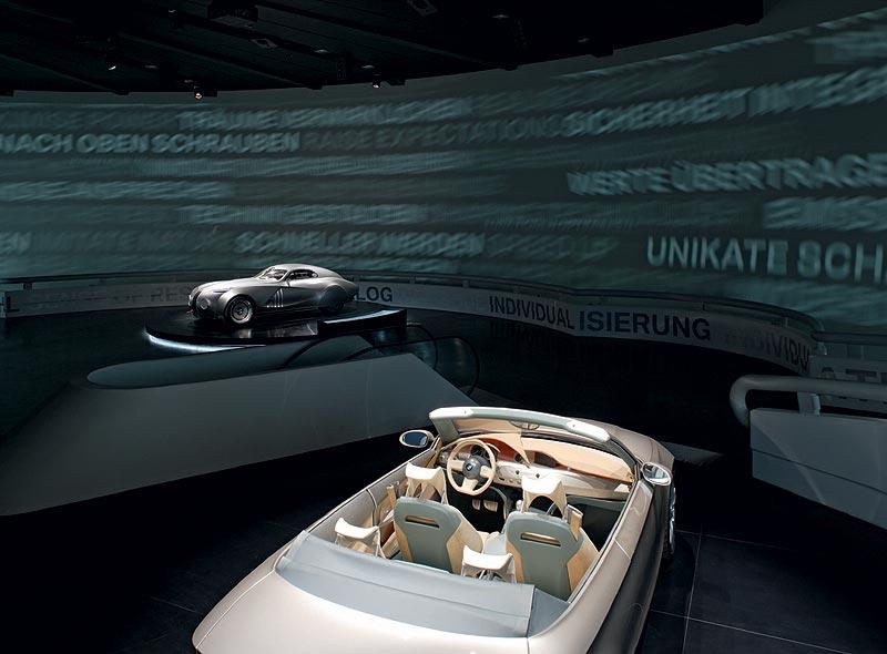 Concept Cars in der visuellen Symphonie im BMW Museum