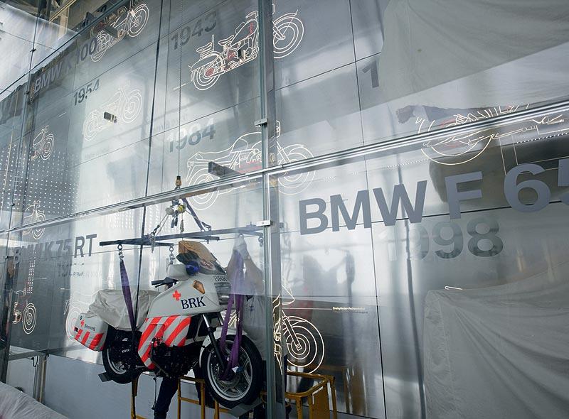 Einbringung der Exponate in das Haus des Motorrads in das BMW Museum München