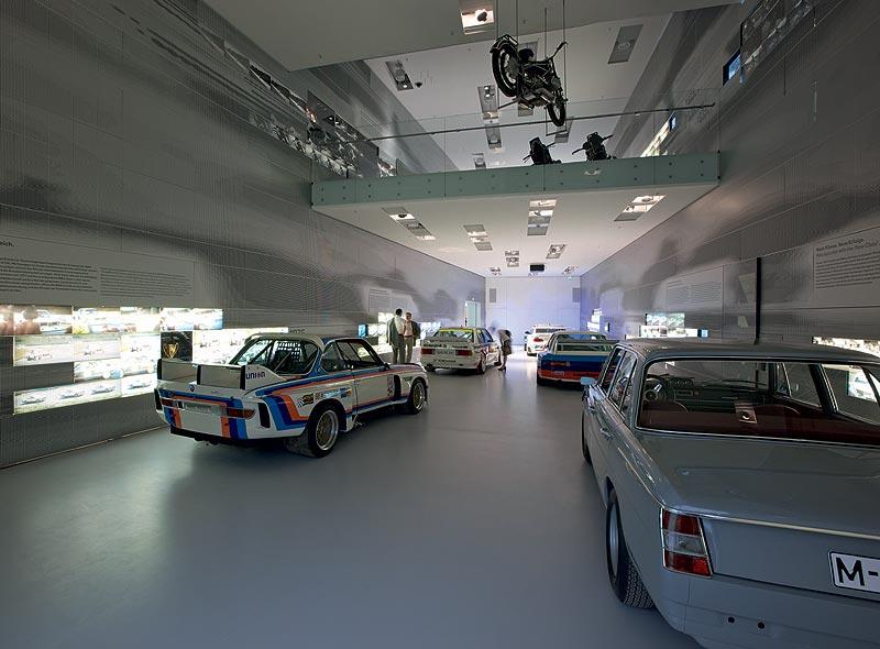 """Ausstellungsraum """"Tourenwagen"""" BMW Museum München"""