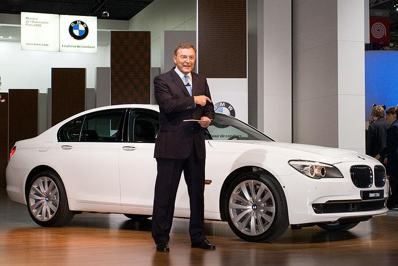 Norbert Reithofer präsentiert die neue BMW 7er-Reihe