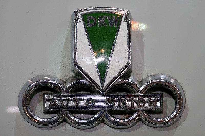 DKW F 91 Sonderklasse, Emblem auf der Motorhaube