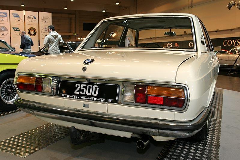 BMW 2500 auf der Techno Classica 2008