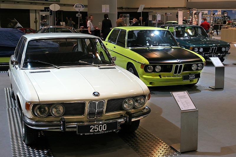 BMW 2500 in Reihe mit einem BMW 3,0 CS und 3,3 Li