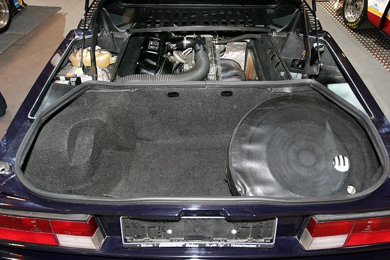 BMW M1, Koffer- und Motorraum